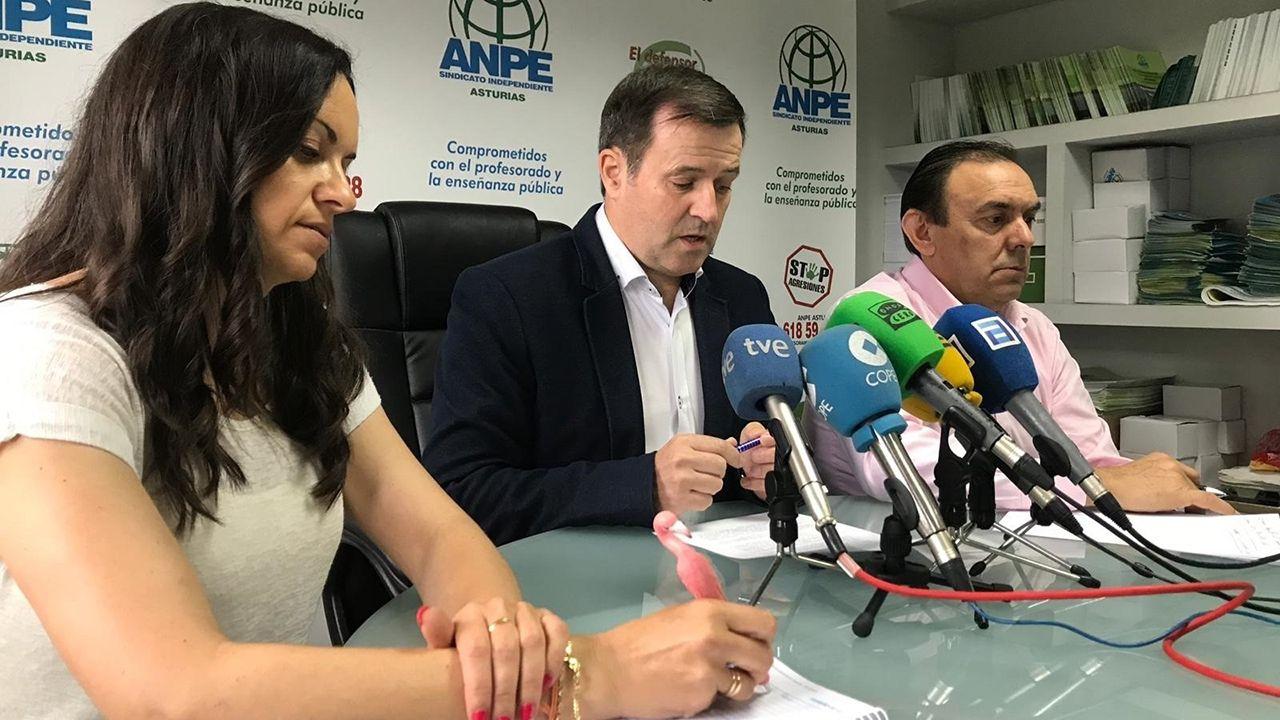 La secretaria de estados de Educación, Montserrat Gomendio, el presidente de ANPE, Gumersindo Rodríguez y el vicepresidente de ANPE, Jose Rubio
