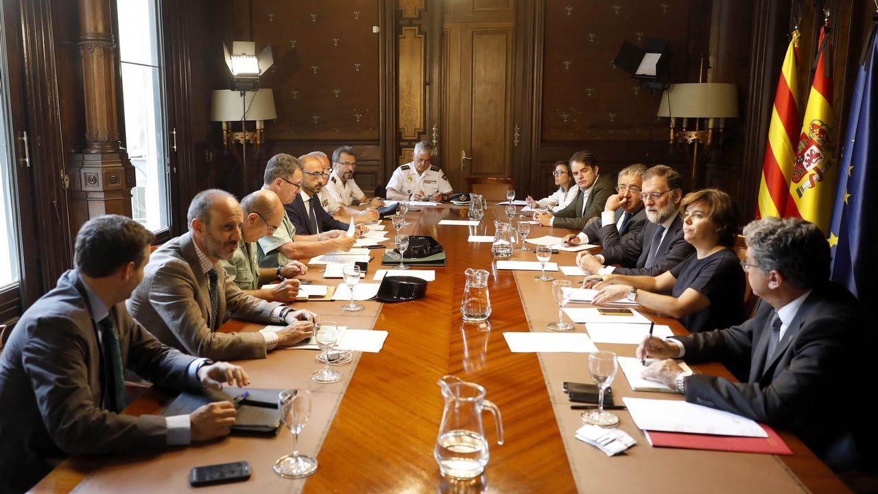 El presidente del Gobierno, Mariano Rajoy, durante la reunión que ha mantenido esta mañana, en la Delegación del Gobierno en Cataluña, con altos mandos de las Fuerzas de Seguridad del Estado