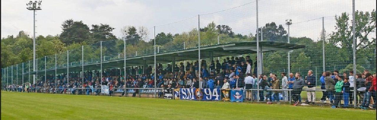 Grada de El Requexón durante el Real Oviedo-Athletic