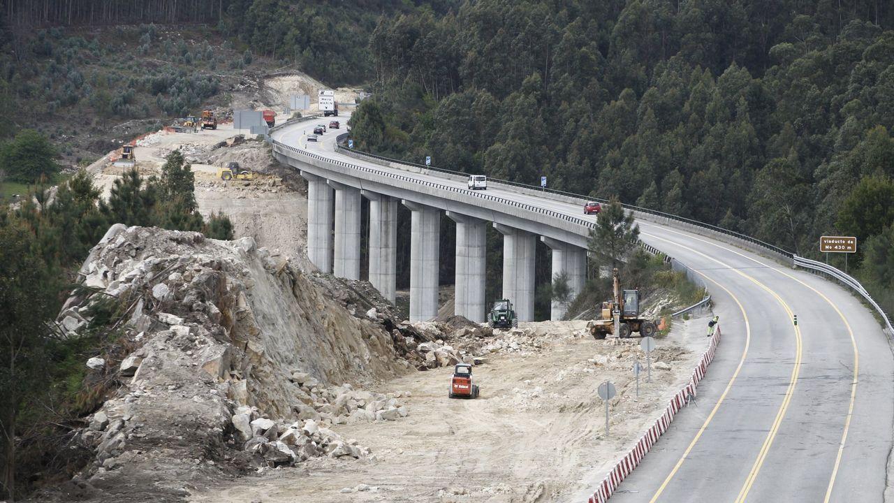 A 180 kilómetros por hora por la autovía del Cantábrico.CORREDOR DE O MORRAZO | CANGAS-MOAÑA-BUEU | Este año se encontrará en ejecución la totalidad de la  autovía de O Morrazo, que cuenta con la mayor partida presupuestaria de la Xunta para el 2017 ?22 millones de euros? y con una inversión total de 55 millones. Este mes arrancará la ejecución del tercer tramo para convertir el corredor en autovía.