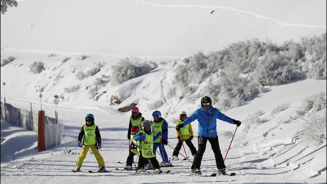 La Semana Santa en Asturias se pinta también de blanco.Estación de esquí Fuentes de Invierno