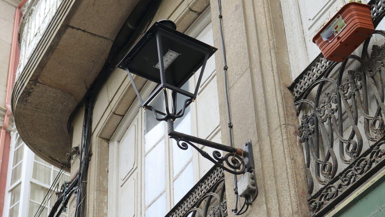 Las nuevas farolas no tienen cristales y utilizan luces led para ahorrar energía