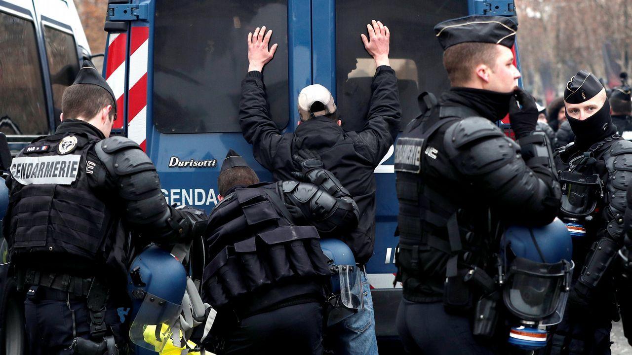 Mujeres vestidas como Marianne, el símbolo de la libertad en la república francesa