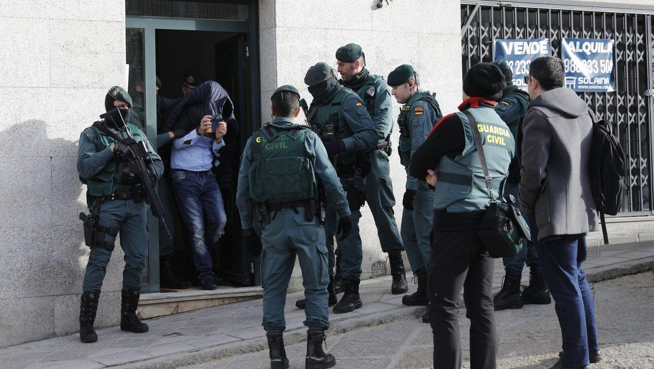 Alejandro, de DomusVi Monforte, regresa a la residencia tras superar el coronavirus.La Guardia Civil, con uno de los detenidos en Ourense el 27 de febrero