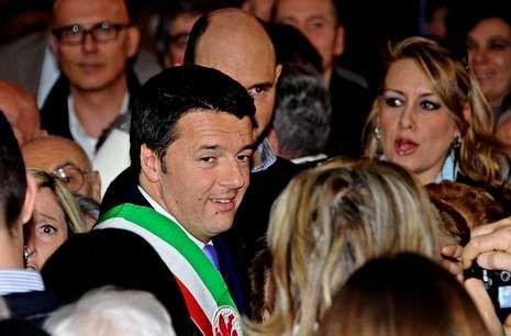 Renzi se dio ayer en Florencia un baño de multitudes.