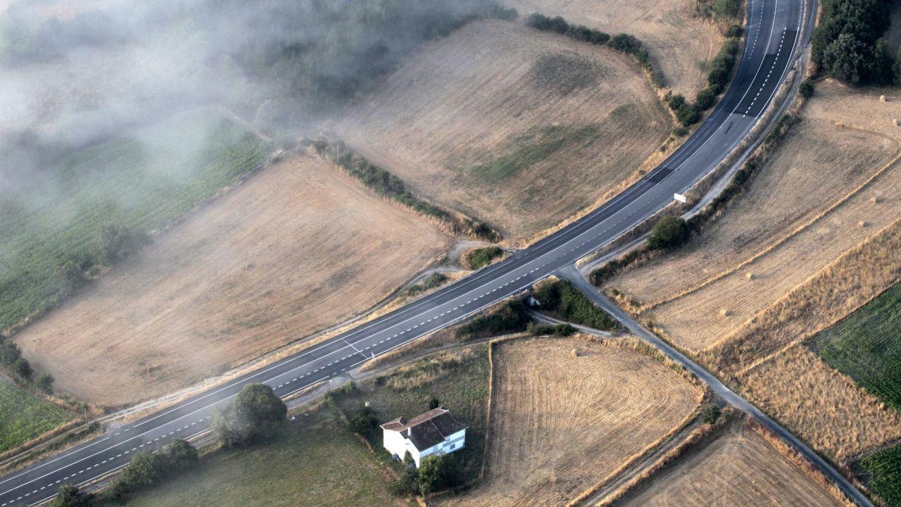 Una carretera en la provincia de Lugo