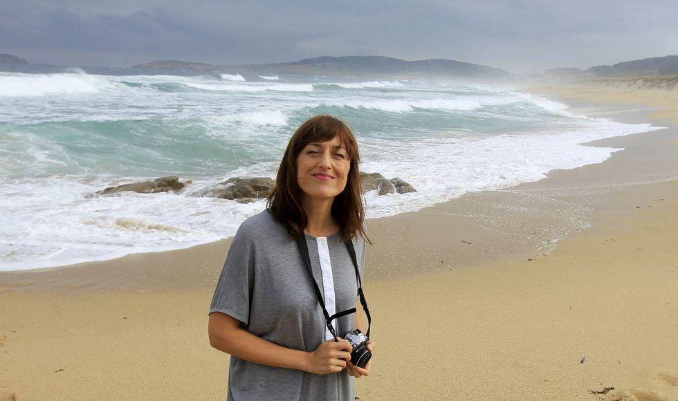 A Ana Amado le encanta escaparse a la playa de Penencia, donde aprovecha para hacer fotos y «oxigenar el coco».