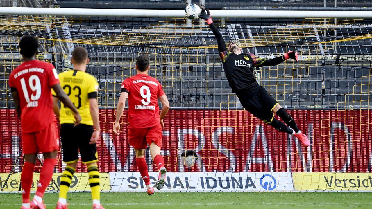 Haaland celebra un gol con Noruega