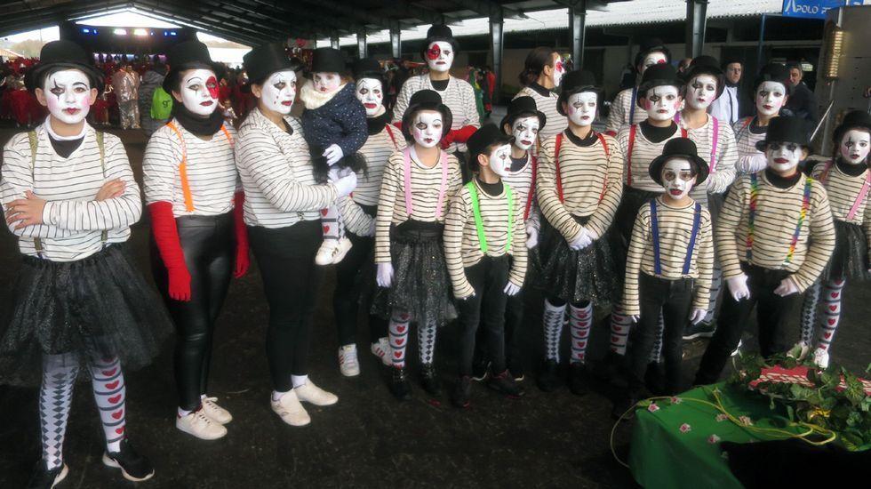 Desfile de comparsas de carnaval en Chantada