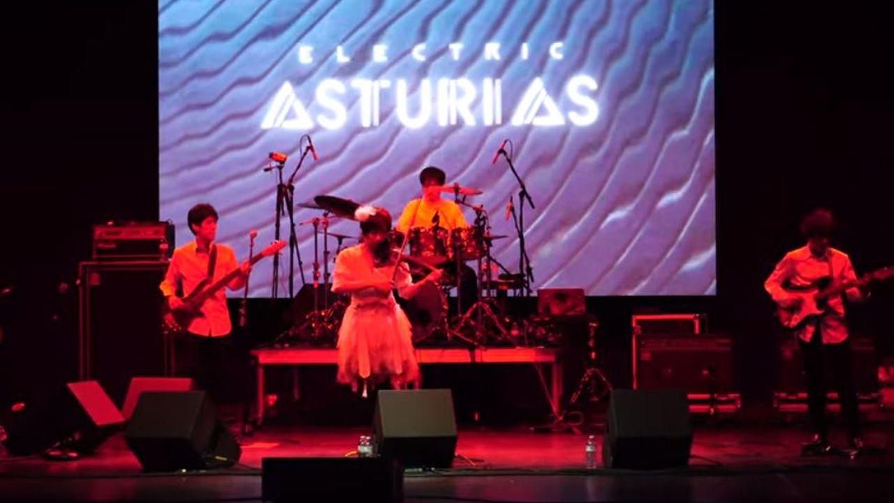 Asturias, el eléctrico grupo de rock progresivo japonés.La exmujer del exdirector general de la Fundación Niemeyer Natalio Grueso, Judit Pereiro