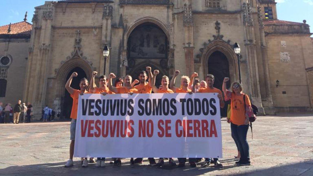 «Se nos chegan a pillar repartindo propaganda comunista, estaríamos mortos».Protesta de los trabajadores de Vesuvius