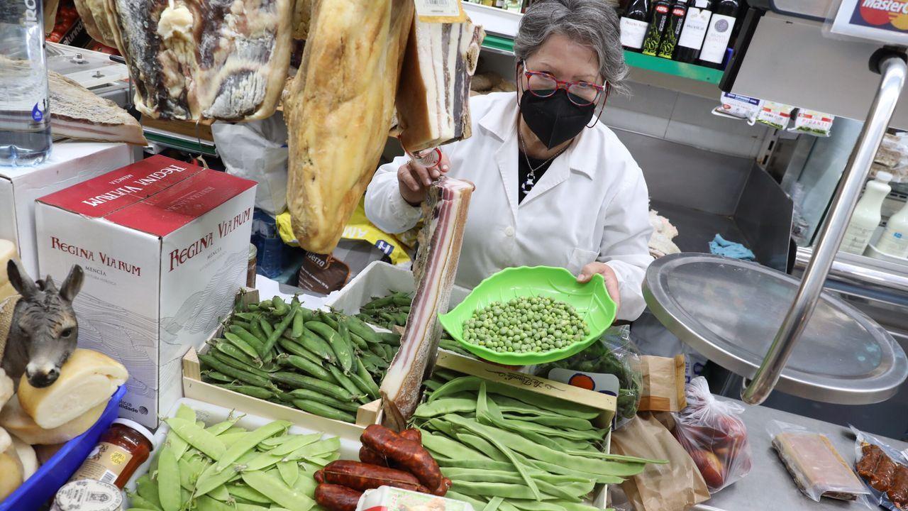 Judías, guisantes y tirabeques de Galicia  están ya al alcance de los compradores en el mercado