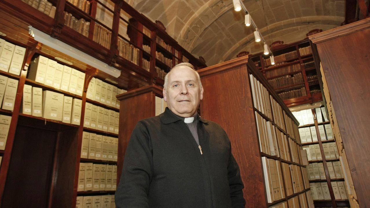 Segundo López Pérez, en el archivo de la catedral de Santiago