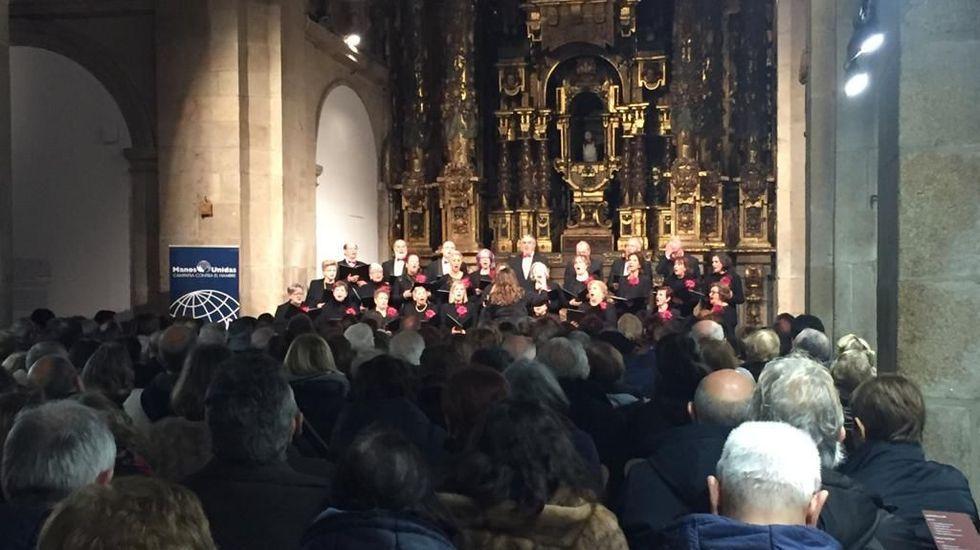 Concierto de Manos Unidas en Compostela.En el gimnasio se realizan distintas actividades extraescolares