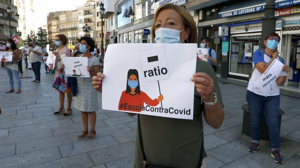 Comparecencia de los conselleiros de Sanidade y Educación tras el comité clínico.Protesta en Vilagarcia por las condiciones de retorno a las aulas