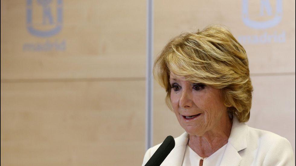 Esperanza Aguirre, dimite de todos  sus cargos el 24 de abril del 2017, al sentirse «traicionada y engañada».