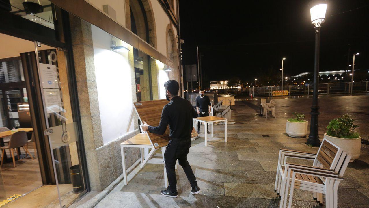 Los bares de A Coruña recogiendo la terraza