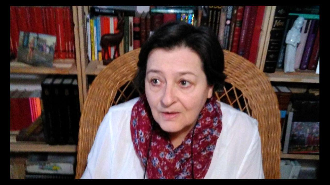 Rosario Regueira publicou con anterioridade outras dúas novelas