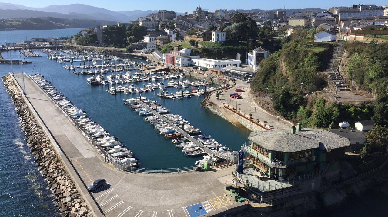 Negocios ubicados en instalaciones gestionadas por Portos, como las de Ribadeo, siguen pagando tasas pese a permanecer cerrados, obligados por la pandemia