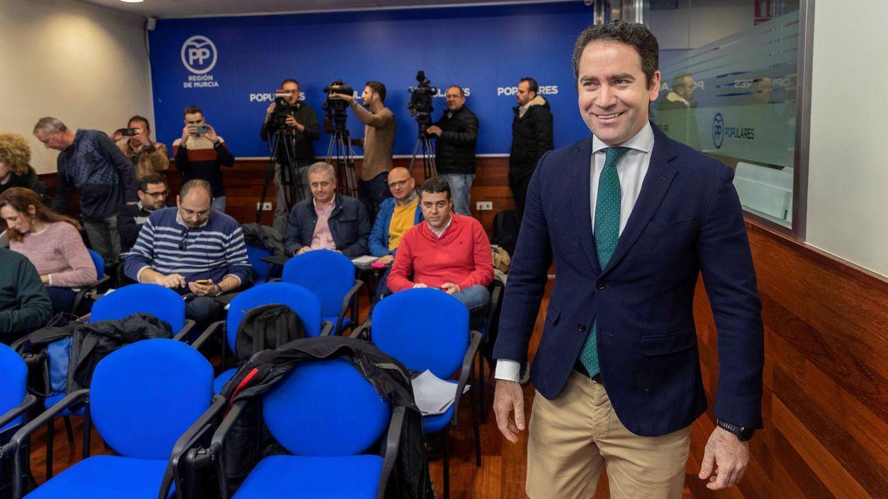 García Egea califica de «escándalo» el pacto entre Sánchez y ERC.Pere Aragonès y Quim torra, el sábado, en el pleno del Parlamento de Cataluña
