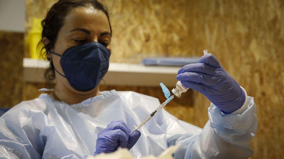 Más de 5.000 ourensanos están citados para vacunarse este fin de semana