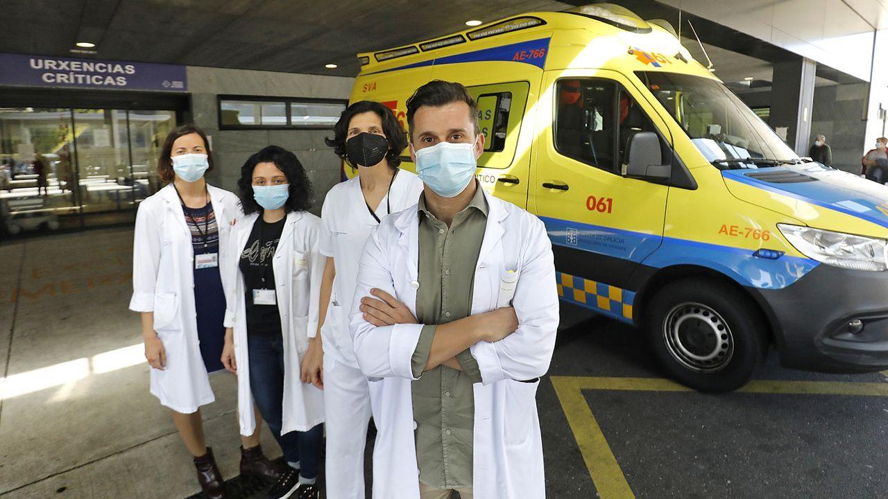El hospital despidió ayer a los doce médicos residentes que concluyeron su formación