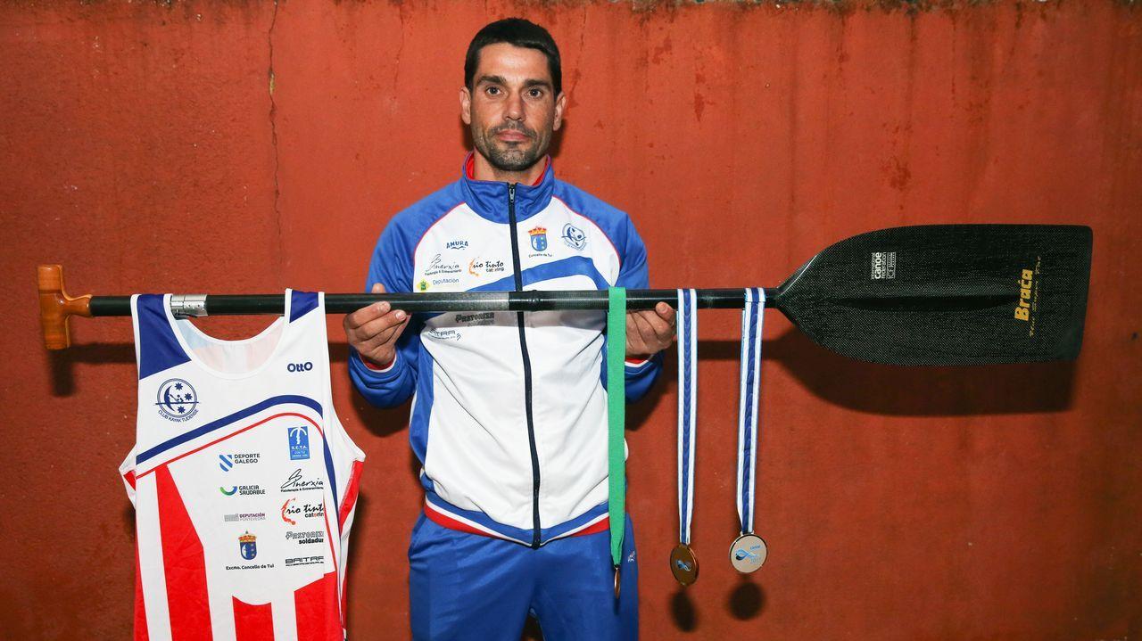 Ramón Ferro cuelga la pala