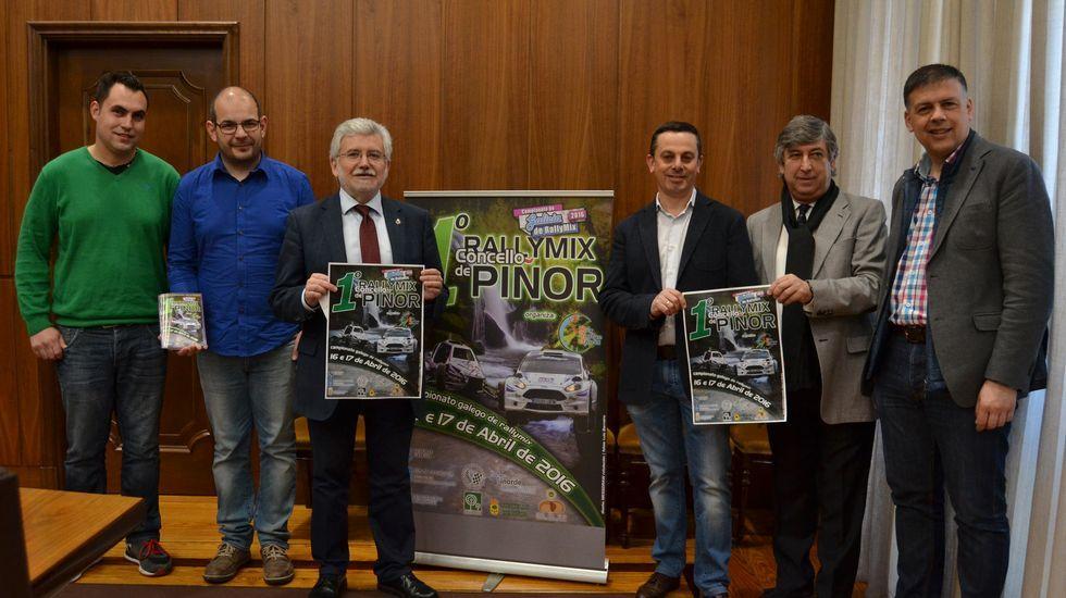 Las mejores imágenes del ralimix gallego en Piñor.Los kartcross se mostraron intratables en el piso deslizante.