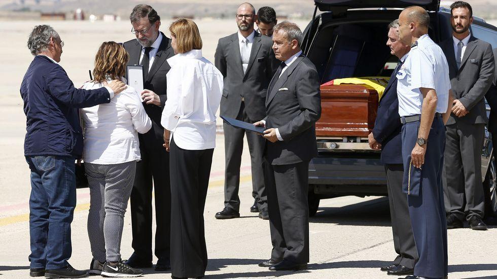 Mariano Rajoy entrega a la familia de Ignacio Echeverría la Gran Cruz del Mérito Civil