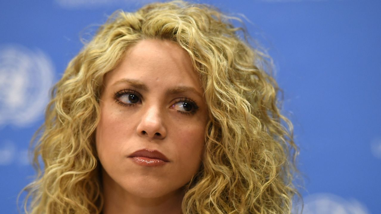 Shakira y Maluma se unen una vez más con 'Trap'.Colas en la plaza de Ourense para comprar entradas