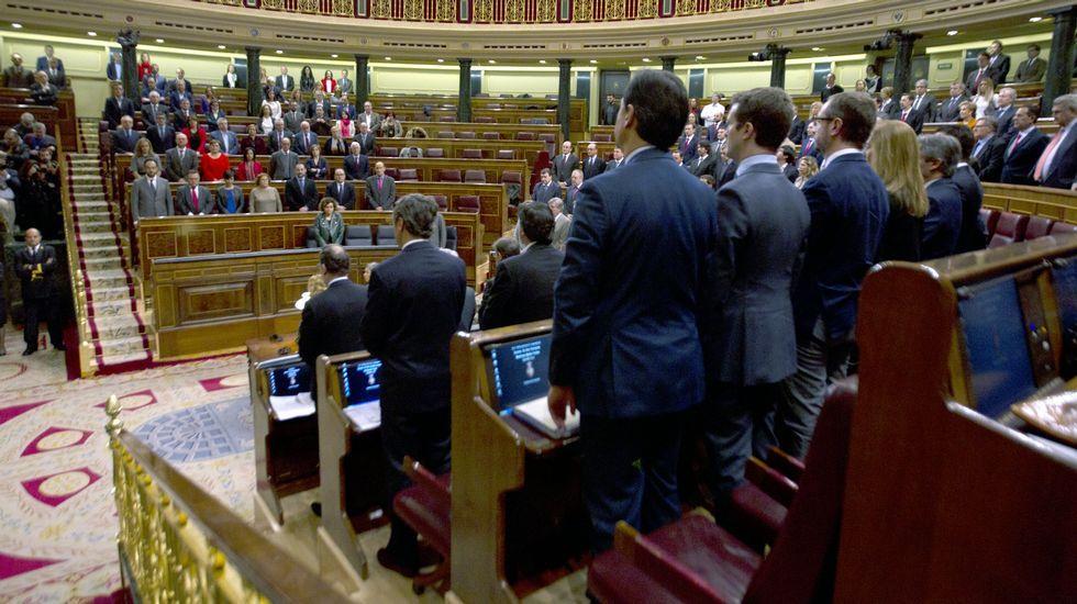 Muere Rita Barberá de un infarto a los 68 años.El Senado colombiano vota a favor del acuerdo de paz con las Farc
