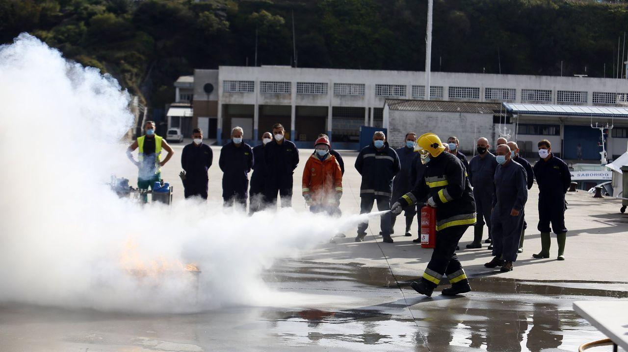 Imagen de archivo de un curso de lucha contra incendios impartido en Celeiro