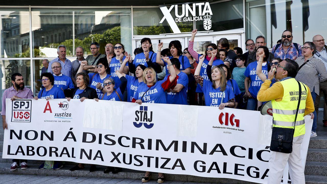 Los sindicatos de Xustiza tienen hasta el viernes para aceptar la oferta de la Xunta.Rueda, ayer con Miguel Ángel Cadenas, presidente del TSXG y el fiscal superior, Fernando Suanzes
