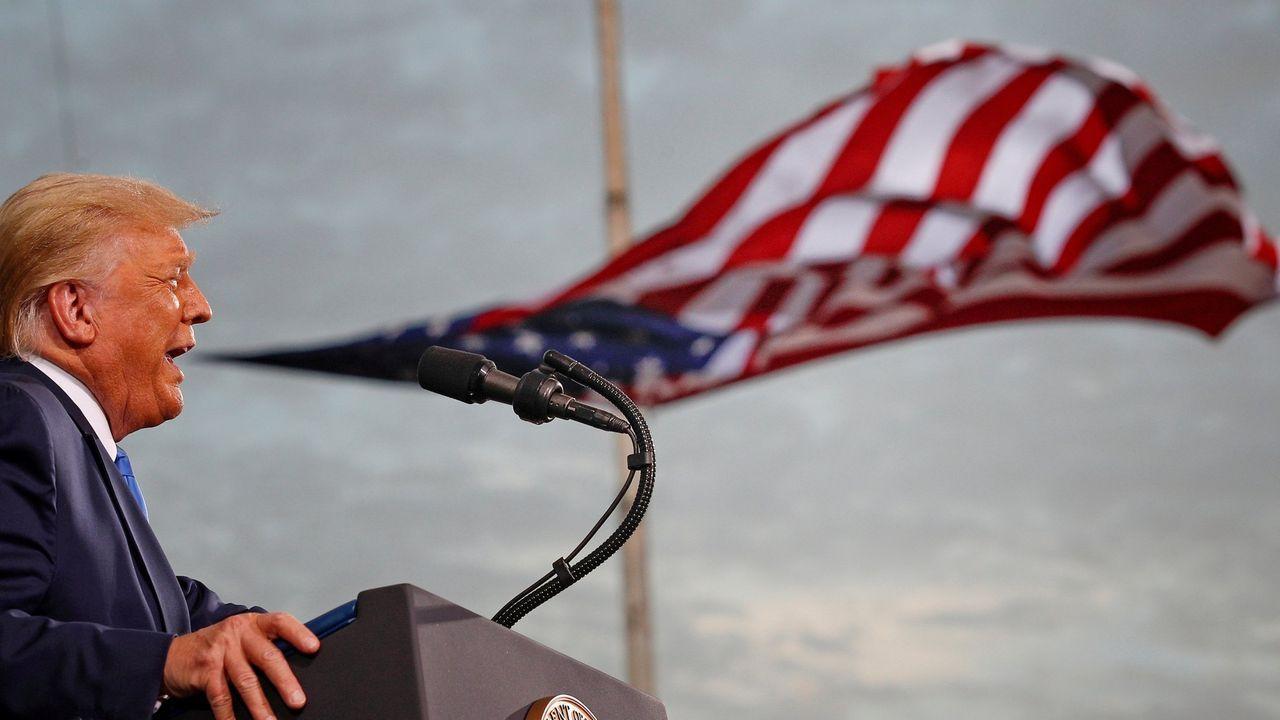 El presidente Donald Trump durante un mitin de campaña en el aeropuerto Cecil en Jacksonville (Florida) el pasado septiembre