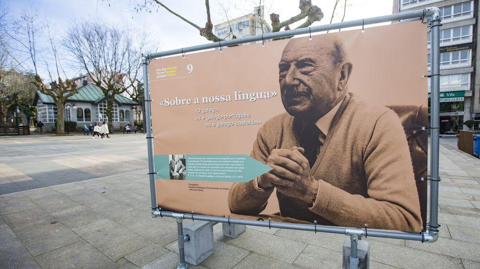Exposición sobre Carvalho Calero en Carballo
