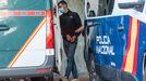 Traslado a la cárcel de Teixeiro del último detenido por el crimen de Samuel Luiz tras comparecer en los juzgados de A Coruña.