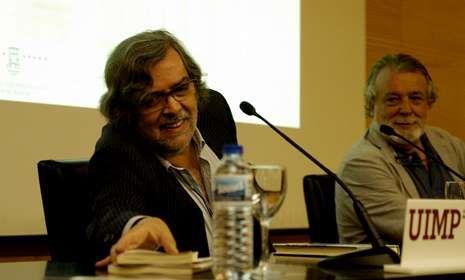 Ramón Pernas y Alfredo Conde, en la intervención del primero en el curso de la UIMP.