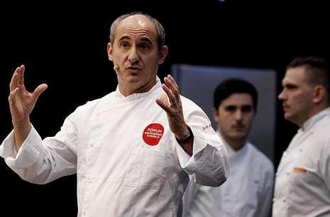 El chef Paco Pérez, del Miramar, en la charla que ofreció en el Fórum Gastronómico.