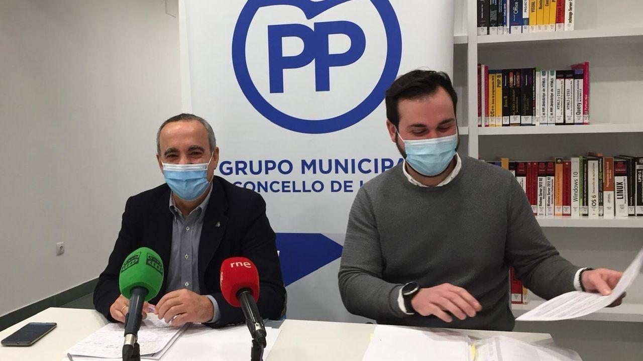Falta de mantenimiento en Navia.Ramón Carballo y Antonio Ameijide