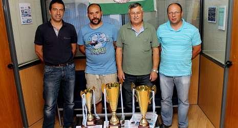 Dirigentes del Concello y del CN Amigos do Mar presentaron la cita.