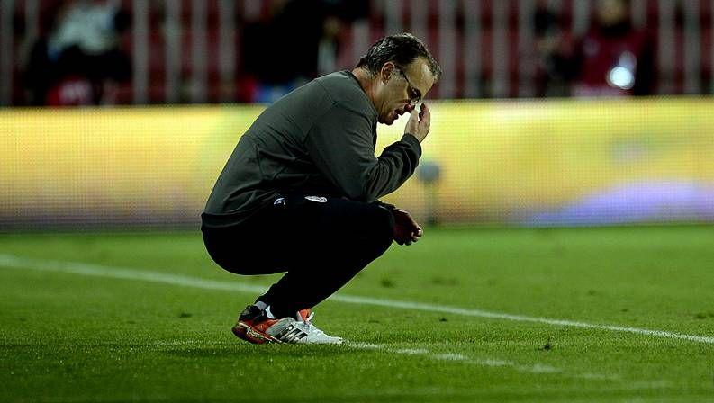 El entrenador del Alavés no tiene miedo al Barça.Cristiano Ronaldo, a la izquierda, durante el entrenamiento de ayer junto a Pepe y Mourinho.