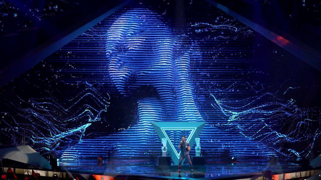 Netta Barzilai, de Israel.Netta y Bar Refaeli, en la gala de Eurovisión