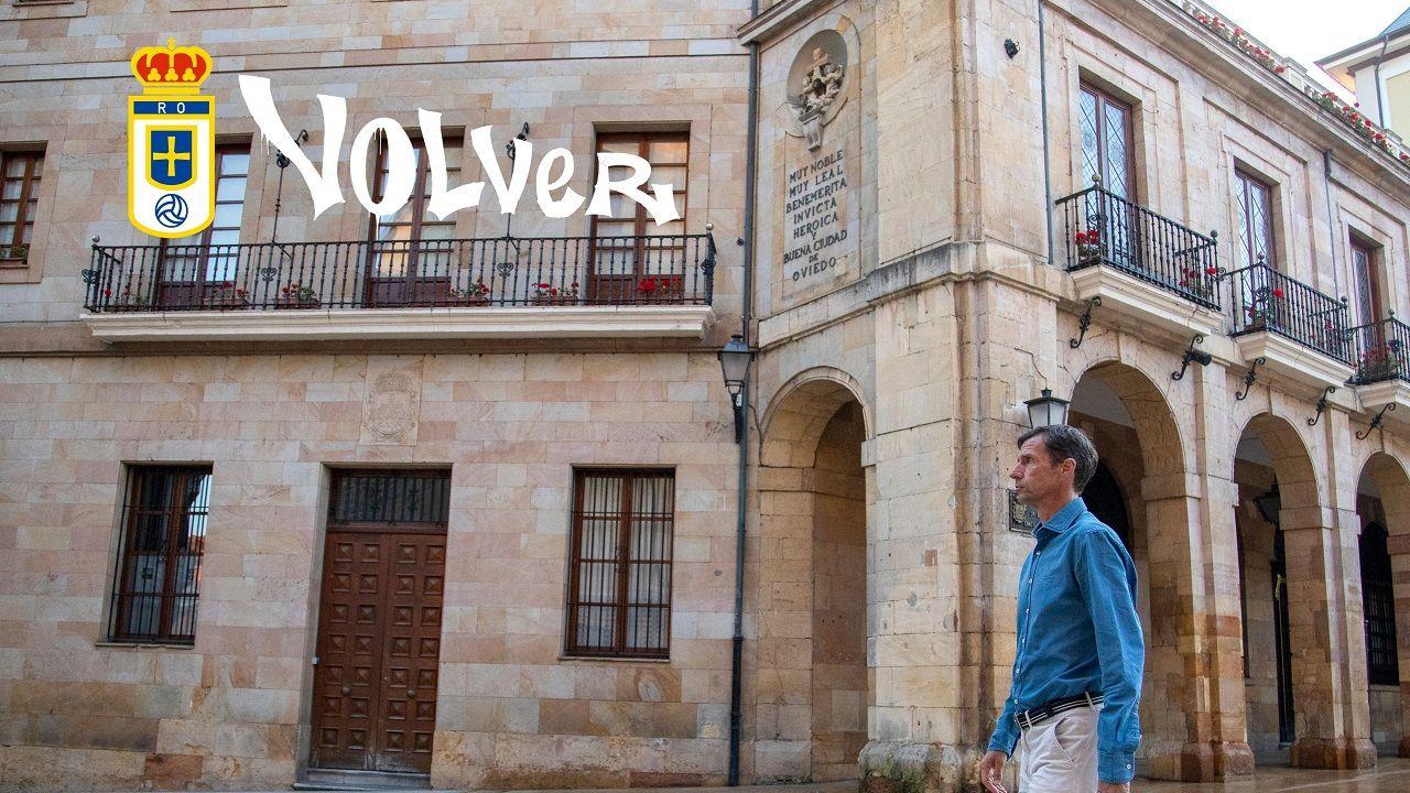 Cartel de la campaña de abonados del Real Oviedo 21/22