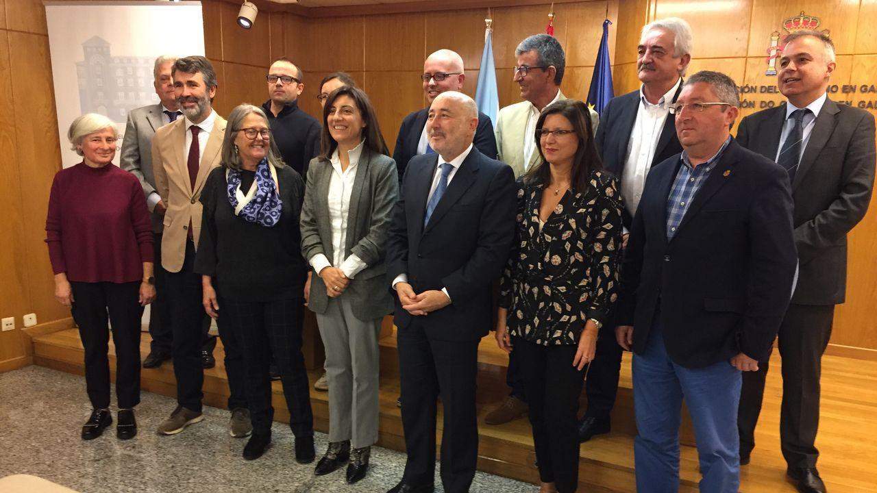 Policías de la UIP de A Coruña fueron recibidos por más de 200 personas