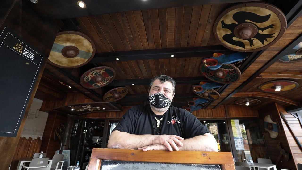 Domingo González, uno de los impulsores de la movilización, este jueves en uno de sus negocios