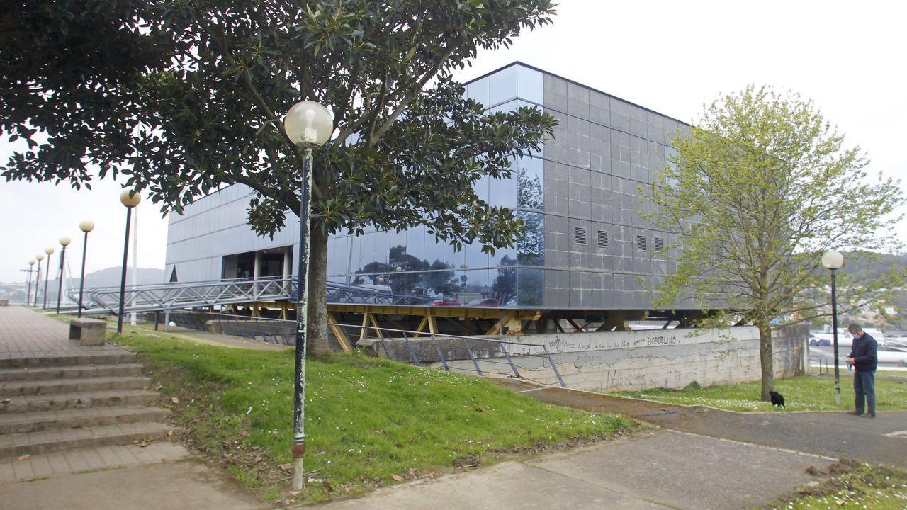 Regreso de la fragata Cristóbal Colón a Ferrol tras cinco meses con la OTAN.El nuevo alojamiento de peregrinos en Ferrol se ubicará en la Casa do Mar