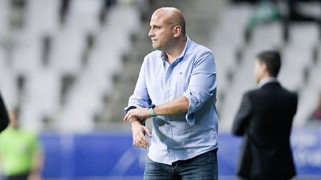 Javi Rozada durante el Real Oviedo-Almería