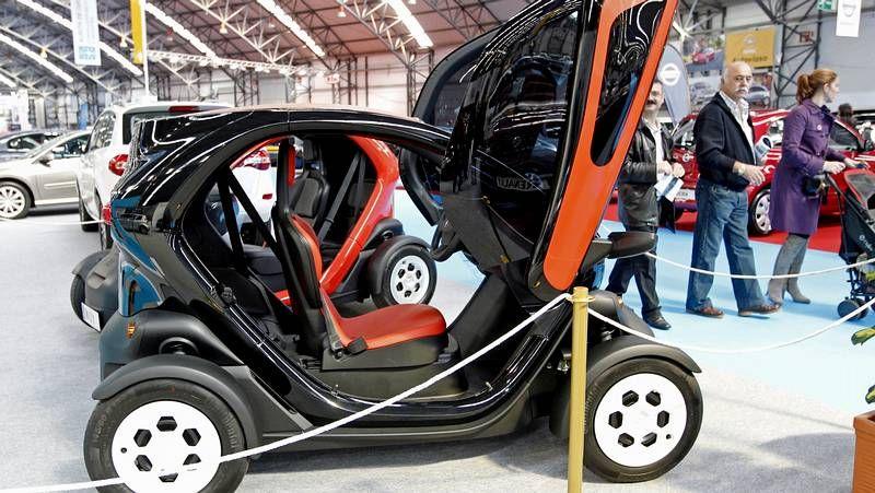 ¿Buscas coche? Ven a Vigo.Los taxistas tuvieron ocasión de probar los nuevos vehículos pensados para el sector.