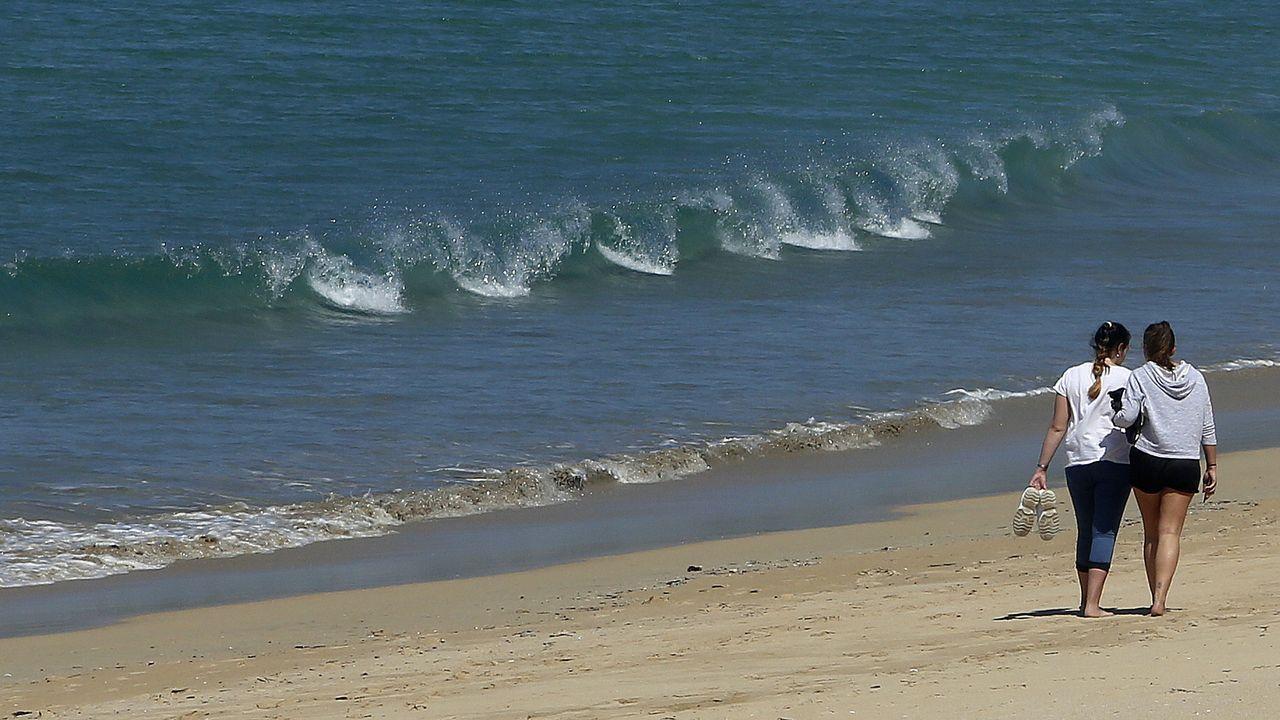 Galicia se echa a la playa.Instituto Armando Cotarelo Valedor en Vilaxoán