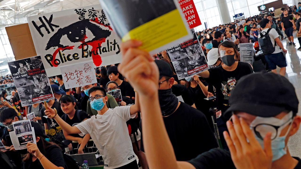 Huelga de gasolineras en Portugal. Gasolinera de Tomiño.Protestas en el aeropuerto de Hong Kong